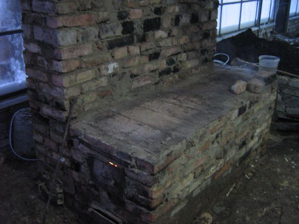 Строим печь в теплице.